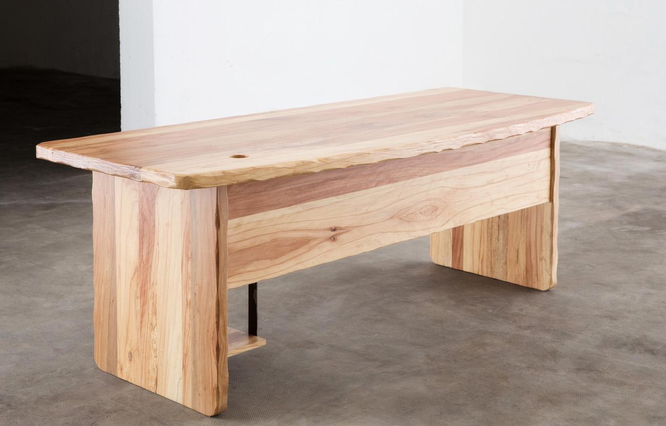 Scrivania da ufficio su misura crearredo falegnameria for Mobili legno design